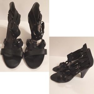 Mossimo black thick strapped heels 👠